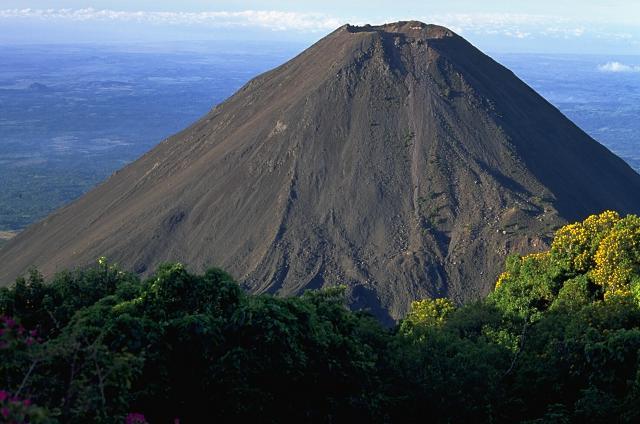 volkanik baca, volkanik boyun